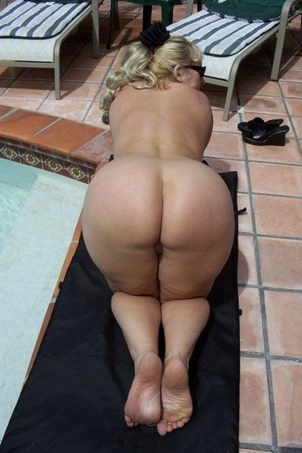 Tchat sexe à Nimes avec une blonde mature de 50 ans
