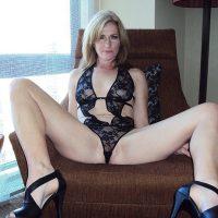 Helena, charmante blonde dispo pour tchat sexy