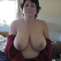 Webcam hot avec Sylvaine célibataire mature à grosses miches
