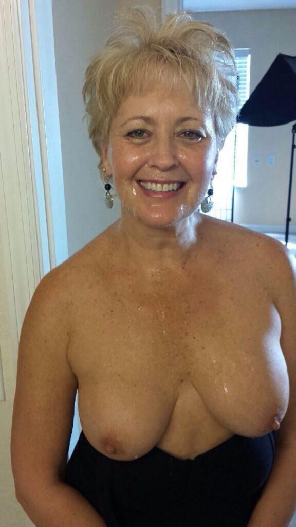 berenice blonde 62ans cherche couples plan  a 4